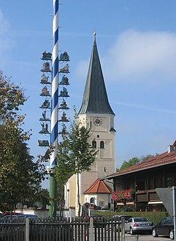Pfarrkirche St. Johannes der Täufer, Taufkirchen, Deutschland. Selbst fotografiert 8.10.2005
