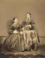 Teresa Francisca de Melo Breyner, Condessa de Vila Real e de Melo, e sua irmã Ana Rufina de Melo Breyner, Condessa de Sabugal, 1862 (Arquivo da Casa de Mateus).png