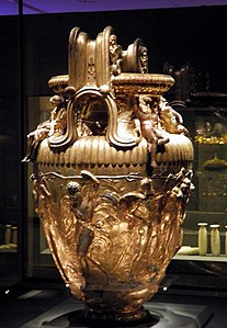 The Derveni krater, late 4th century B.C., Pentheus dressed as an armed hunter, Archaeological Museum, Thessaloniki, Greece (7457876666).jpg