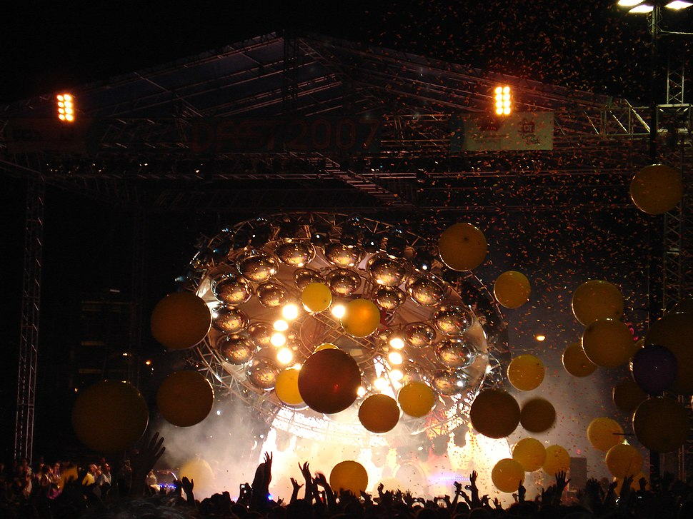 The Flaming Lips UFO stage prop