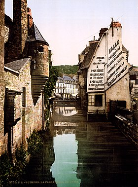 The footbridge of the Steir, Quimper, Brittany, France, ca. 1899.jpg