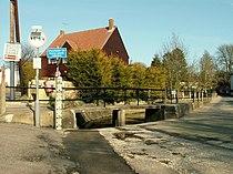 The footbridge on the corner of Church Street - geograph.org.uk - 1209869.jpg