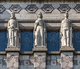 De Bazel - Three colonial generals crowning the top of the building
