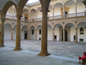 Hospital de Tavera - Arcade of the inner courtyard of the Hospital de Tavera.