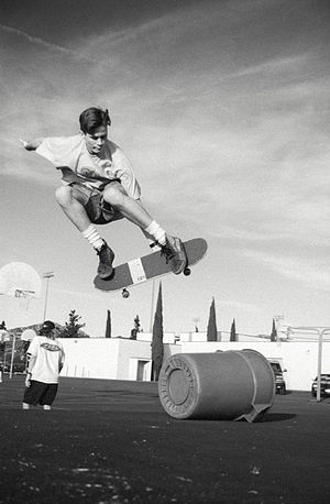 Tom DeLonge - DeLonge skateboarding at Poway High School in the 1990s