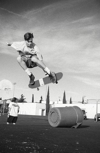 Tom DeLonge - DeLonge skateboarding at Poway High School in the 1990s