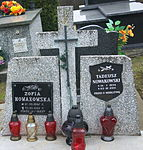 Tomb of Tadeusz and Zofia Nowakowski at Posada Cemetery in Sanok 2.jpg