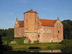 Torups slott från väster.jpg
