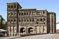 Trier Porta Nigra BW 3.JPG