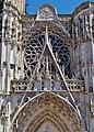 Troyes Cathédrale St. Pierre et Paul Rosette 1.jpg