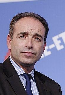 http://upload.wikimedia.org/wikipedia/commons/thumb/9/92/UMP_regional_elections_Paris_2010-01-21_n2_%28cropped%29.jpg/220px-UMP_regional_elections_Paris_2010-01-21_n2_%28cropped%29.jpg