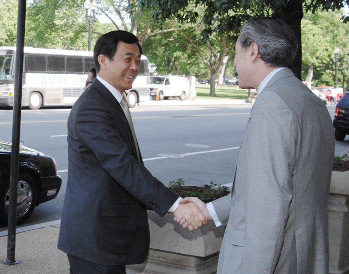 US Secretary Gutierrez meets with Chinese Minister Bo Xilai