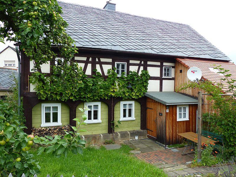 File:Umgebinde Wilhelm-Fröhlich-Weg 21 Bertsdorf (3).jpg