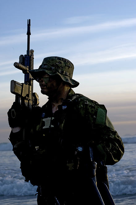 U.S. Navy SEAL with a SCAR rifle - FN SCAR