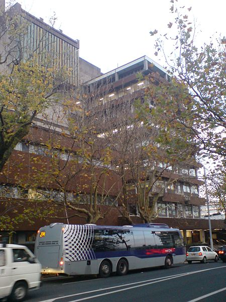 File:University Buildings, Symonds Street.jpg
