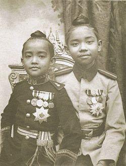 Urubongs Rajsombhoj and Prajadhipok Sakdidej.jpg