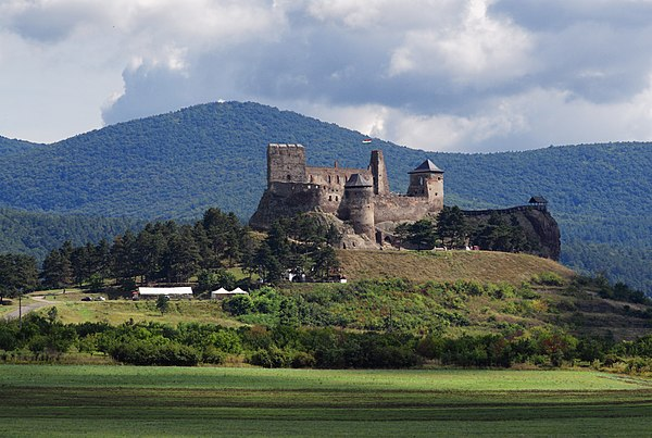 Ruins of Boldogkő Castle in Boldogkőváralja, Zemplén Nature Reserve, Hungary. Author: Szvitek Péter, CC-BY-SA 2.5.