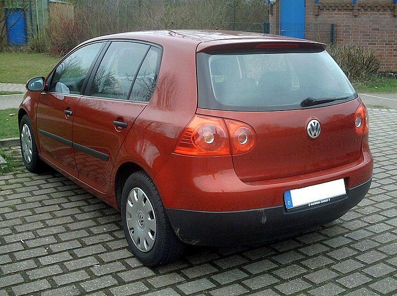800px-VW_Golf_rear.jpg