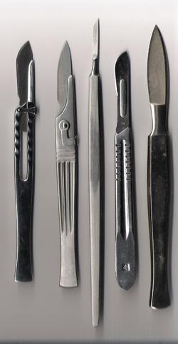Various scalpels.png