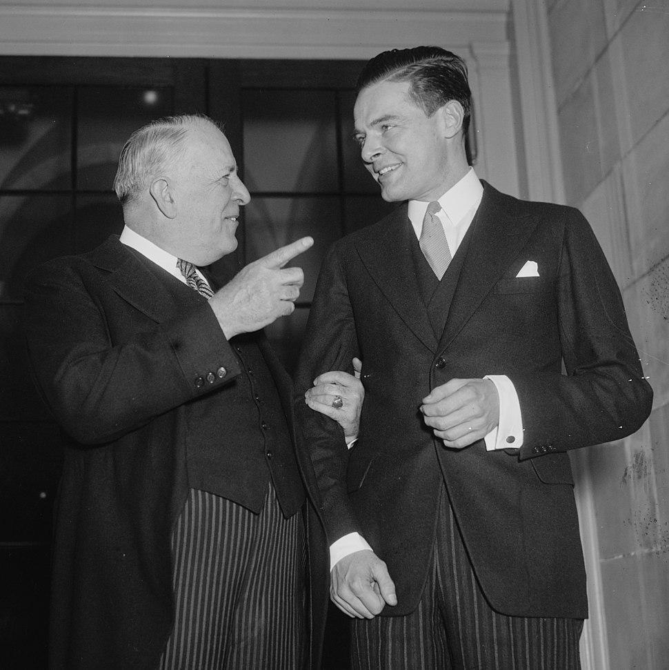 Veterans advice for rookie Senator. Washington, D.C., Jan. 5. Senator David I. Walsh, Democrat from Massachusetts, greets the new junior Senator, Henry (Cabot) Lodge, Jr., Republican from LCCN2016871078 (cropped)