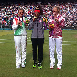Victoria Azarenka, Serena Williams and Maria Sharapova with medals 2012.jpg