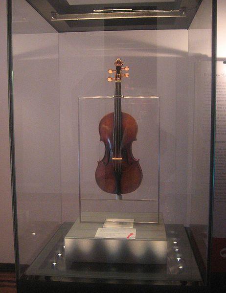File:Violino Cannone.jpg
