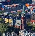 Vista de Johanneskirken desde la montaña Fløyen, Bergen, Noruega, 2019-09-08, DD 45.jpg