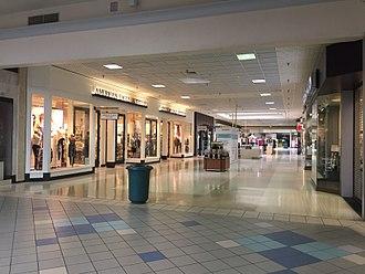 Walnut Square Mall - Image: Walnut Square Mall, August 2017
