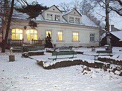 Willa z ogrodem przy ul. Powroźniczej 2 w Krakowie.JPG