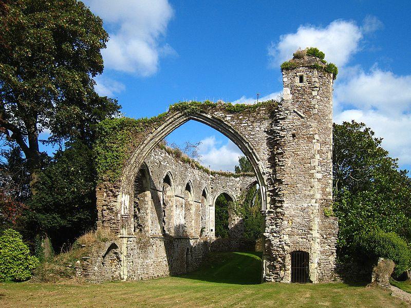 File:Winchelsea, Grey Friars ruins.jpg