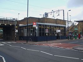 Wood Street stn entrance.JPG