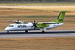 YL-BBT Bombardier Dash 8-Q400 airBaltic DUS 2018-07-31 (6a) (44275628481).jpg