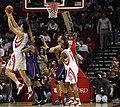 Yao Ming shooting vs Sacramento Kings 2008-02-13.jpg