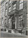 zicht op ingangspartij grachtenhuis - amsterdam - 20319535 - rce