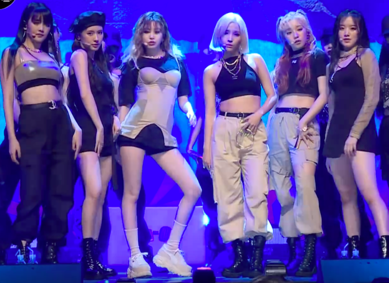 File:(여자)아이들 (G)I-DLE Uh-Oh Showcase 01.png