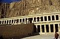 Ägypten 1999 (368) Theben West- Totentempel der Hatschepsut (29117950382).jpg