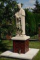 Żulice - kościół (03) - pomnik.jpg