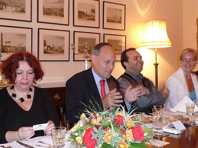 С Марией Арбатовой и Тони Брентоном на записи передачи «Плавленый сырок», 2007 год