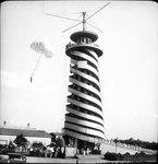 Башня-аттракцион в Парке Горького 1930-х годов.tif