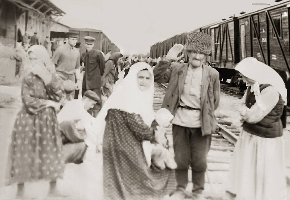 На вокзале. 1957 год Фрунзе. Жители с. Юрт-Аух