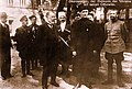 Скоропадський зі своїми офіцерами.jpg