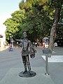 """Скульптура """"Коробейник"""" на ул. Островского - panoramio.jpg"""