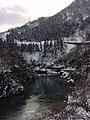 湧き水と温泉が混じる川 - panoramio.jpg