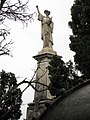 053 Panteó de Manuel Malagrida, escultura d'Eduard Alentorn.jpg