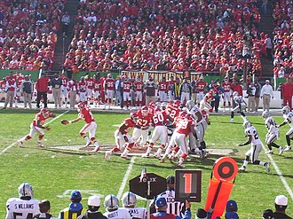 2006 Kansas City Chiefs season - The Chiefs host the Oakland Raiders in a close-fought week 11 game, November 19, 2006