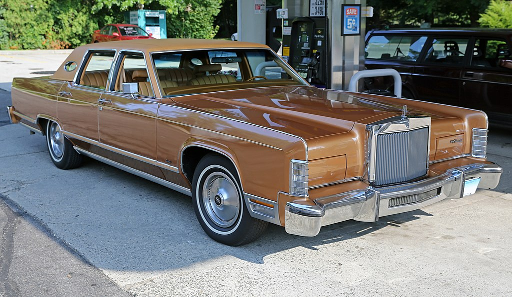 File 1978 Lincoln Continental Town Car Front Right Jpg