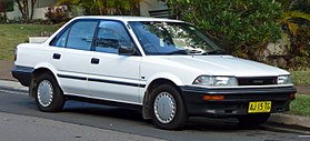 1991 Toyota Corolla (AE92) CS sedan (2010-05-19).jpg