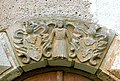 20090901225DR Streitwald (Frohburg) Schloß Wolftitz Portal Wappen.jpg