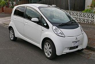 Mitsubishi i-MiEV - Image: 2010 Mitsubishi i Mi EV (GA MY10) hatchback (2015 11 11) 01