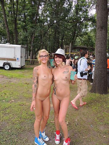 nakedgirl in pool fuck